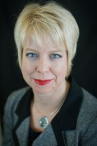 Dr Roanne Preston